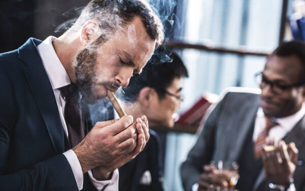 Online Shopping Tips for Daily Cigar Smokers