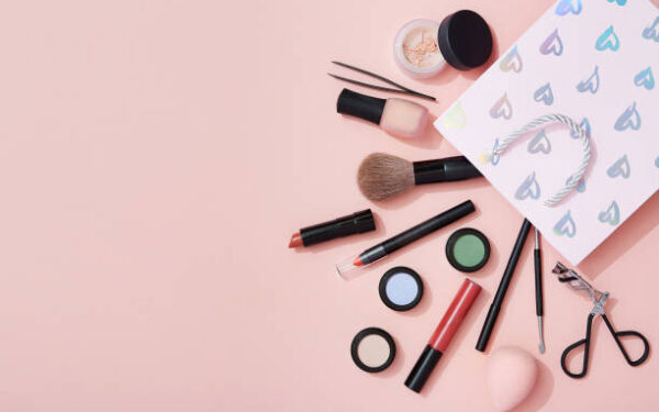 Makeup Revolution Highlighter Or Makeup Kit: Tips To Buy