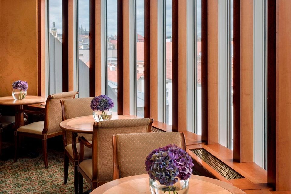 Quick Guide to Choosing High-End Hospitality Furniture For Your Hotel in 2021!