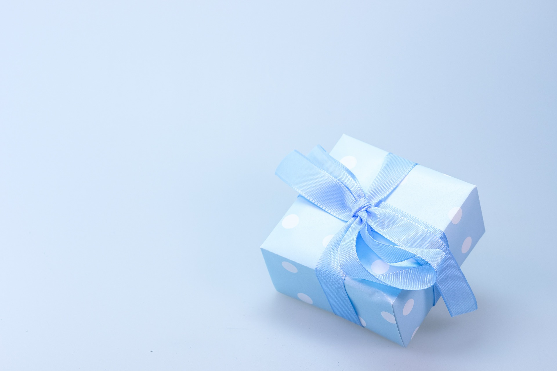 Incredible Combo gift ideas with cake for your Loved Ones