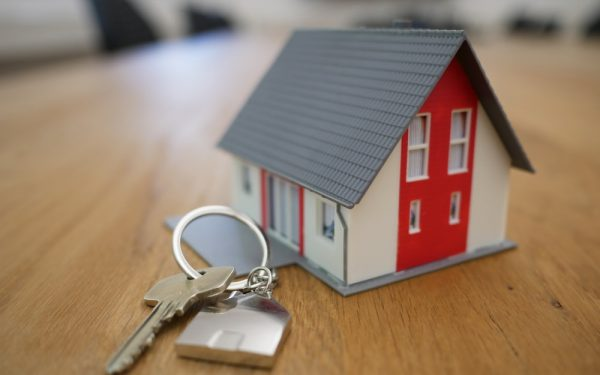 How Can A Good Real Estate Agent Help You To Get The Best Price For Your Property?